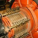"""4A - Particolare turbina eccitatrice, oggi situata al """"museo della tecnica elettrica dell'università di Pavia"""""""