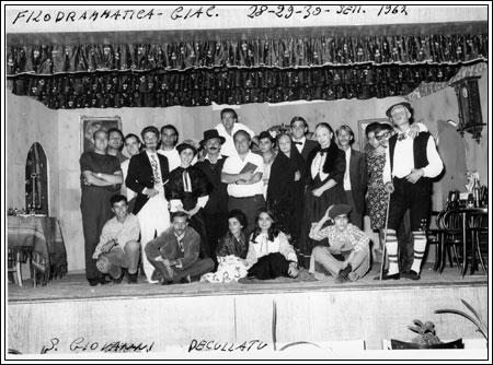 Settembre 1967, luci S. Giovanni Decollato con il gruppo teatrale della G.i.a.c.