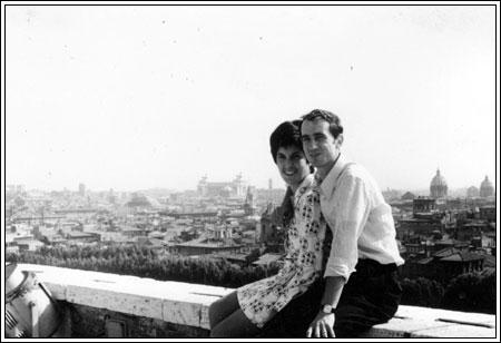 Roma castel S. Angelo 1971  Cusiosità: accanto a me c'era un riflettore che illuminava l'Angelo.