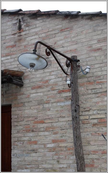 Lampada con palo